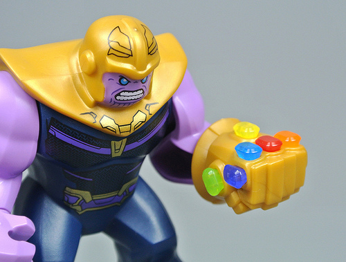 76107 Thanos: Ultimate Battle